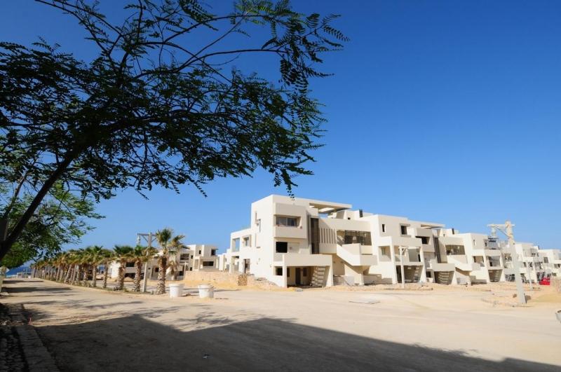 Duplex 234m Fully Finished for Sale in Hacienda Bay - White - North Coast
