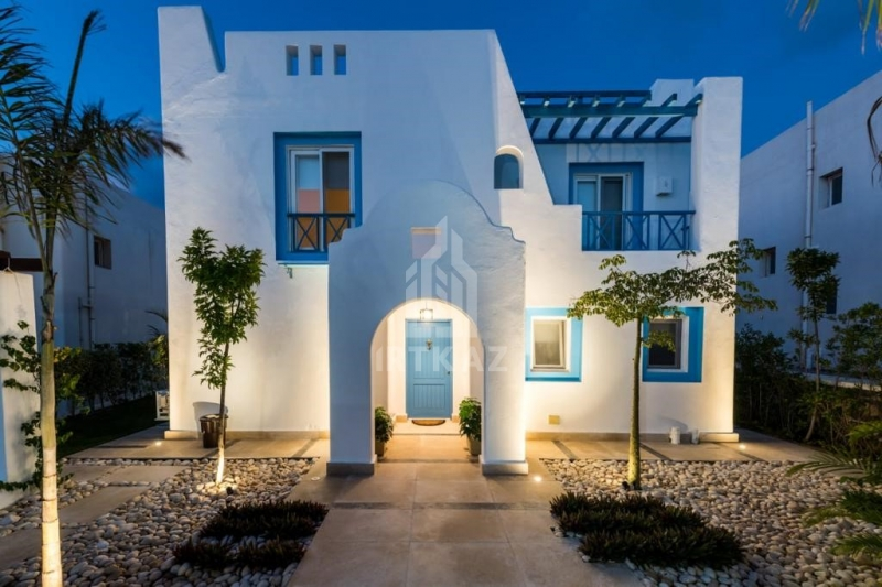 Own Townhouse in Mountain View. North Coast with Dawn Payment 10% and Installment over 6 Years