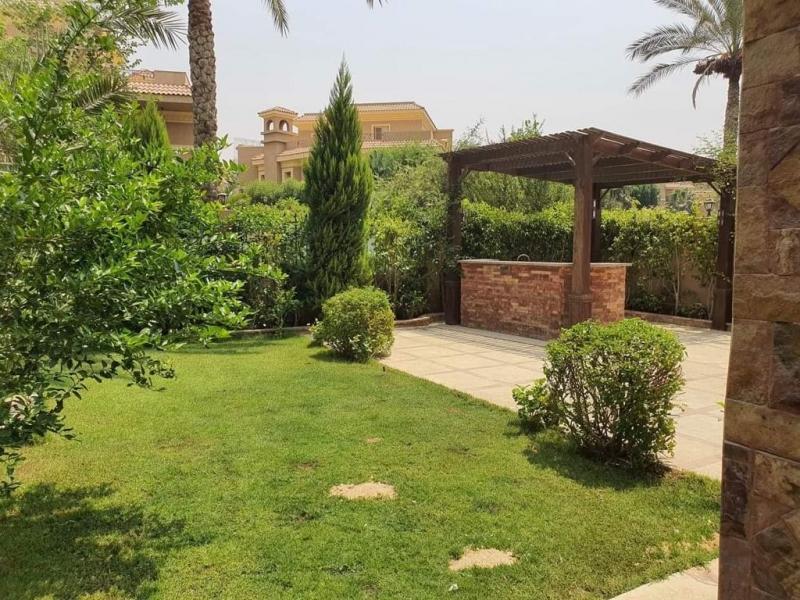 Twin house for sale in Le Rois Compound, New Cairo توين هاوس للبيع  لوروا التجمع  القاهره الجديده