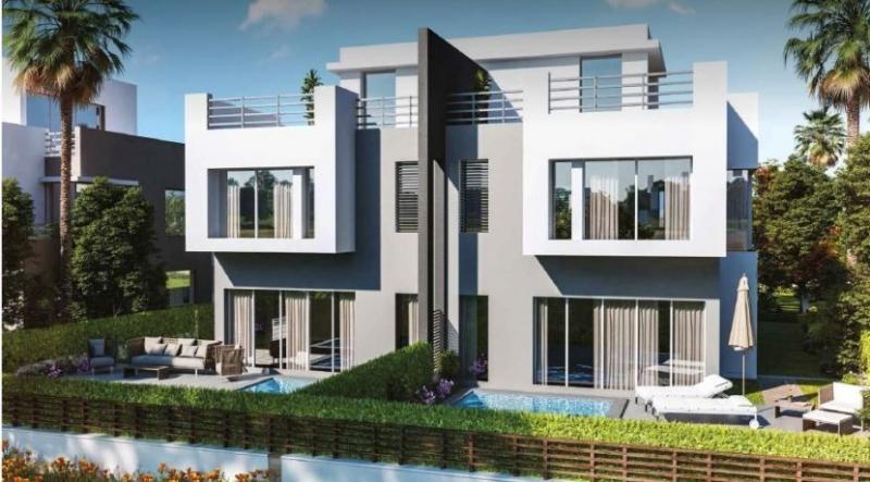 For Sale Twin Villa By 9 Years Installment in Hyde Park فيلا للبيع فى هايد بارك التجمع