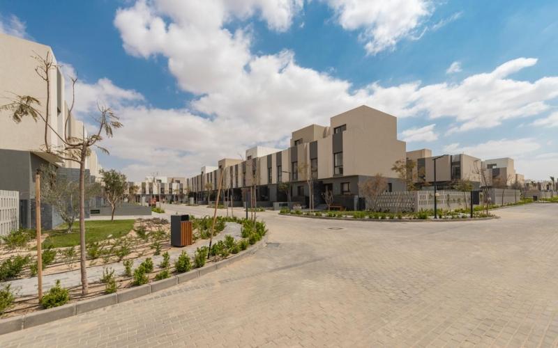 Ready to Move Apartment 2 Bedroom Installment 6 Years in Al Buruoj