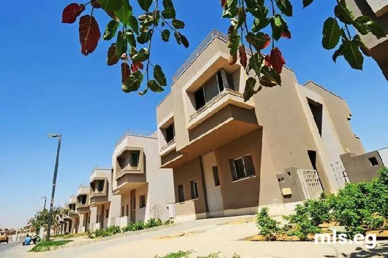 فيلا مستقله مميزه للبيع في بالم هيلز Villa Standalone for Sale  VGK Palmhills